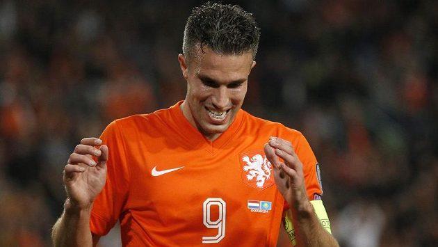 Robin van Persie bojuje v dresu Nizozemska o postup na ME ve skupině s českým výběrem.