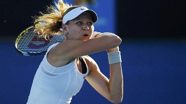 Lucie Šafářová postoupila v Paříži do čtvrtfinále.