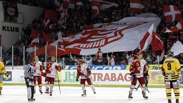 Hokejová Slavia se na play-out vrátila do Edenu, proti Litvínovu se ale výhry nedočkala.