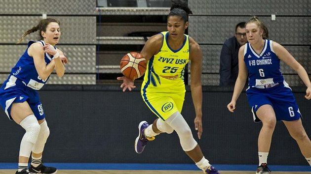 Opora basketbalistek USK Praha Alyssa Thomasová byla vyhlášena nejlépe bránící hráčkou Evropské ligy.