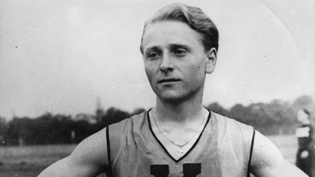 Zdena Koubková, běžkyně, později Zdeněk, běžec.