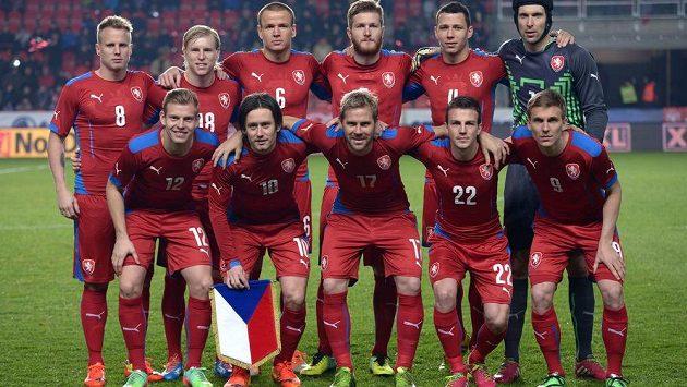 Mužstvo české fotbalové reprezentace během přátelského utkání s Norskem v pražském Edenu.