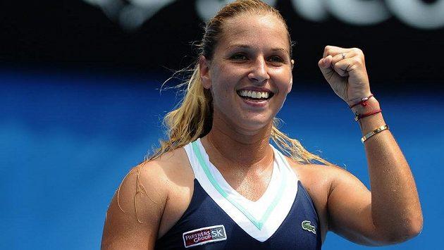 Vítězné gesto slovenské tenistky Dominiky Cibulkové.