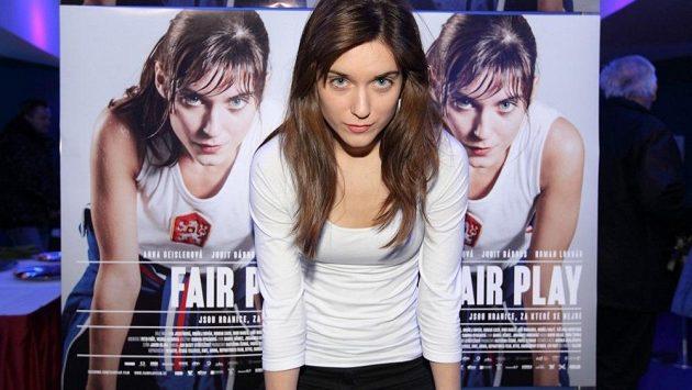 Hlavní roli ve snímku Fair Play ztvárnila maďarská herečka Judit Bárdos. 9e4d4239f2