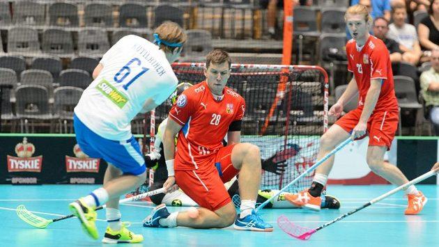 Matěj Jendrišák blokuje finskou střelu při zápase o bronz na Světových hrách.