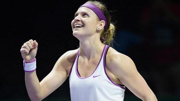 Radost Lucie Šafářové po triumfu nad Němkou Angelique Kerberovou na Turnaji mistryň.