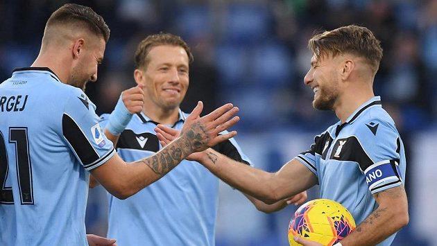Fotbalisté Lazia Řím rozstříleli ve 20. kole italské ligy Sampdorii 5:1.