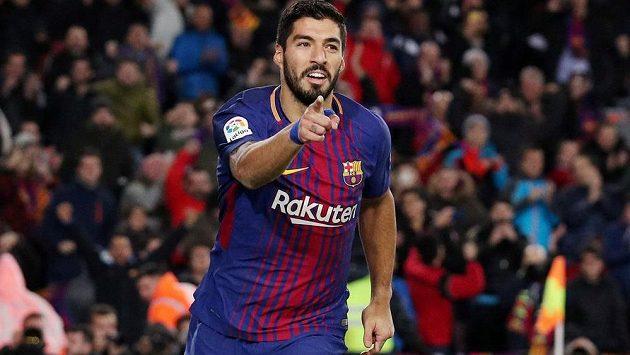 Barcelonský útočník Luis Suárez vstřelil v pohárovém utkání gól do sítě Valencie.
