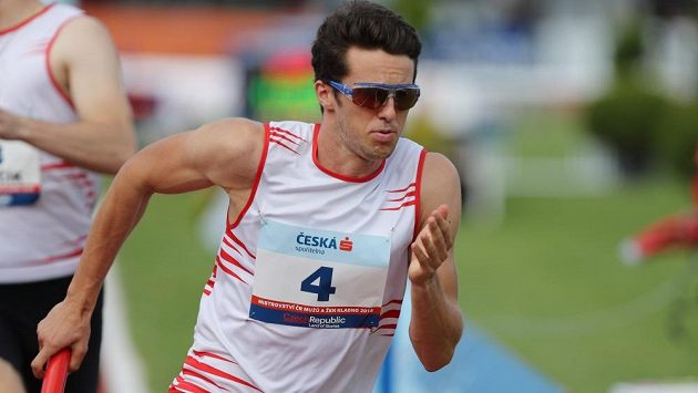 Filip Šnejdr ve slávistické štafetě na mistrovství republiky v Kladně.