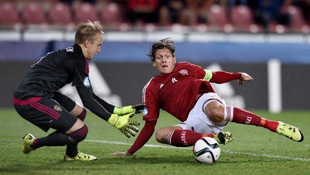 Jannik Vestergaard (vpravo) bude hrát za Mönchengladbach.