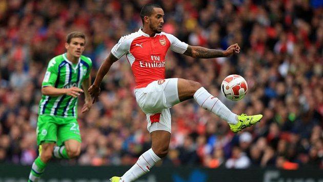 Theo Walcott podepsal v Arsenalu novou smlouvu.