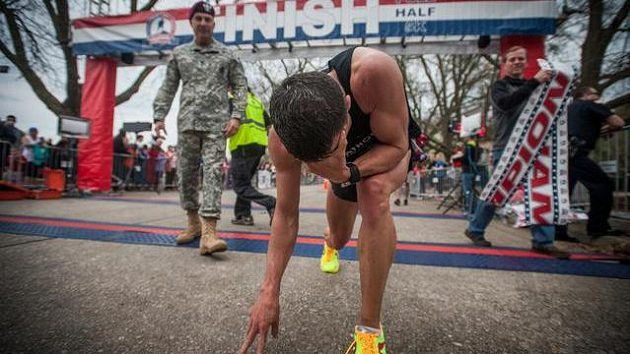 Chuck Engle je zvyklý dávat do svých maratónů všechno.