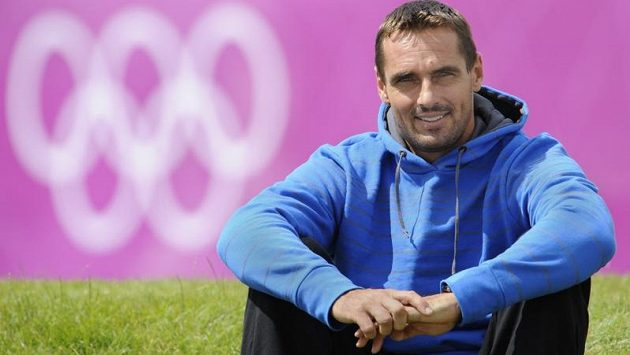 Desetibojaře Romana Šebrleho trápí bolavá pata a nad jeho startem v olympijském závodu stále visí otazník