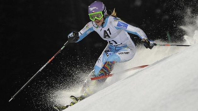 Česká lyžařka Šárka Záhrobská skončila ve slalomu Světového poháru ve Flachau na osmém místě.