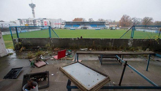 Pardubický fotbalový klub pevně věří, že město schválí opravy letního stadionu, aby splňoval parametry pro první ligu.