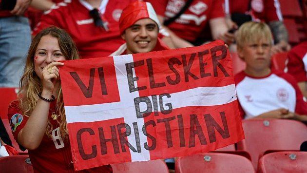 Fanoušci prožívají příběh Christiana Eriksena s dánským fotbalistou.