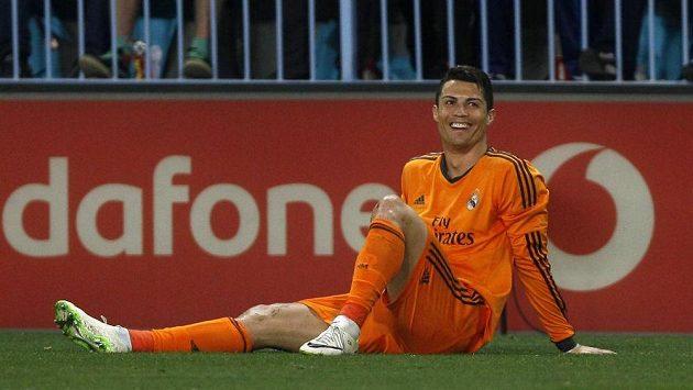 Cristiano Ronaldo má důvod k úsměvu. Po jeho trefě vyhrál Real Madrid nejtěsnějším rozdílem v Málaze.