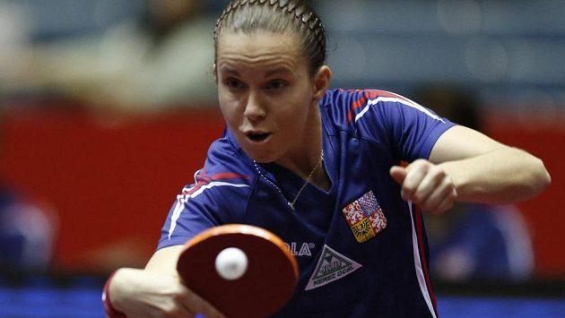 Česká stolní tenistka Iveta Vacenovská během jednoho z duelů na MS družstev.