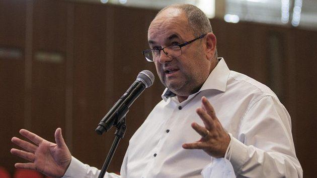 Státní zástupce v úterý navrhl pro Miroslava Peltu, obžalovaného v kauze rozdělování sportovních dotací na ministerstvu školství, trest odnětí svobody na devět let.
