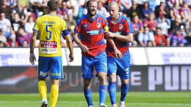 Fotbalisty Plzně výhra nad Teplicemi (1:0) hodně bolela. Potvrzují to i kulhající Roman Hubník a útočník Michael Krmenčík. Vše sleduje tepický Admir Ljevakovič.