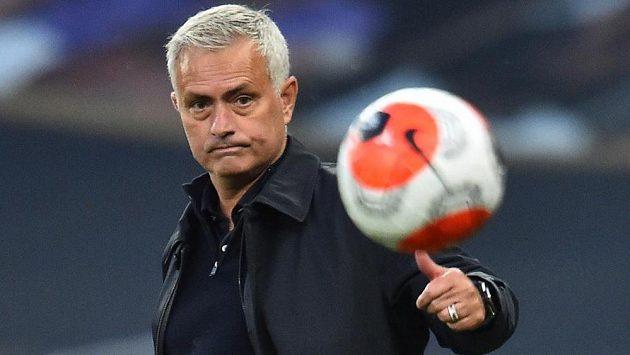 Manažer Tottenhamu José Mourinho.