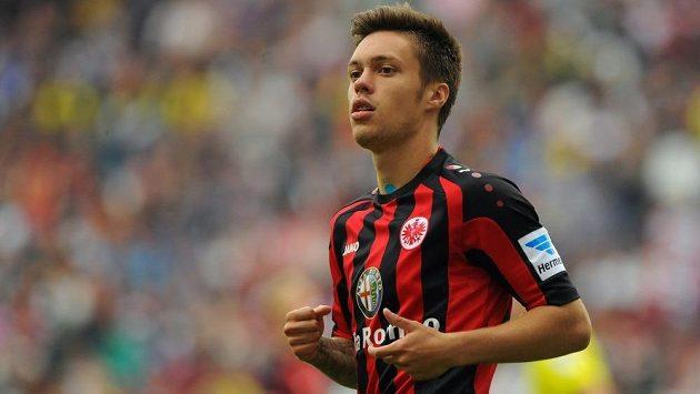 Václav Kadlec v dresu Eintrachtu Frankfurt.