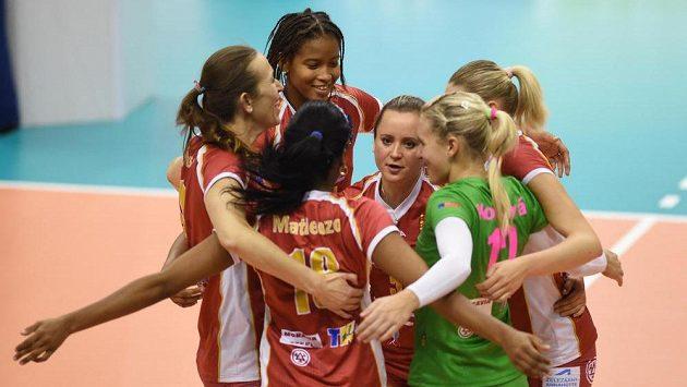 Hráčky Prostějova v utkání Ligy mistryň proti Eczacibasi Istanbul.