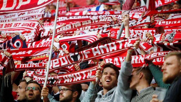 Nadšení fanoušci Bayernu.