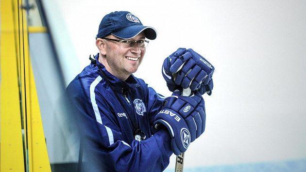 Trenér libereckého extraligového hokejového týmu Pavel Hynek (na snímku) na prvním tréninku na ledové ploše před nadcházející sezónou.