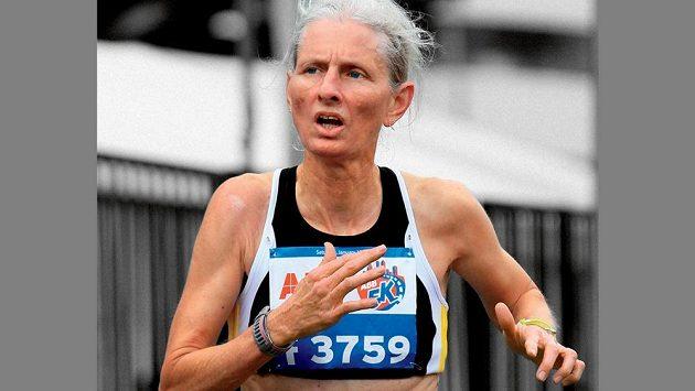 Sabra Harveyová nebyla v dobré kondici, přesto se rozběhla. Vše začalo v 51 letech.