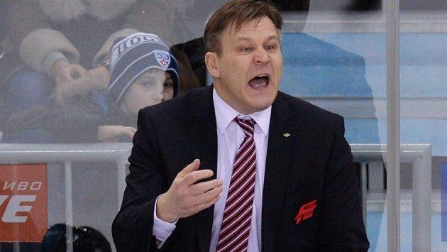 Hokejový trenér Raimo Summanen na archivním snímku z roku 2015, kdy v Kontinentální lize vedl Avangard Omsk.
