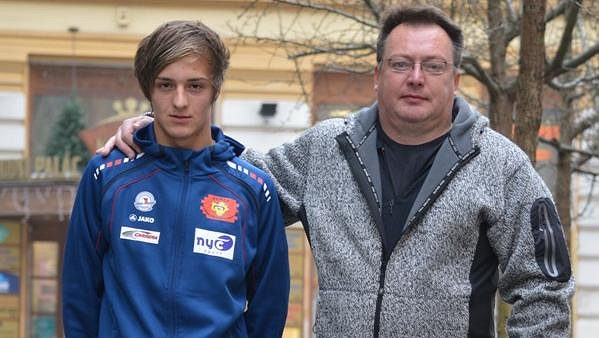 Tomáš Portyk se svým otcem a zároveň trenérem Tomášem Portykem.