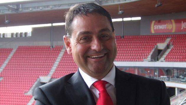 Zbyněk Kusý vtrhl do fotbalové Slavie s velkým optimismem. Teď s ní válčí...