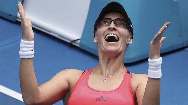 Chorvatka Mirjana Lučičová-Baroniová po výhře nad Jennifer Bradyovou z USA.