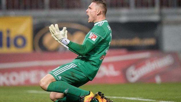 Brankář Sigmy Olomouc Miloš Buchta na snímku z utkání se Spartou.