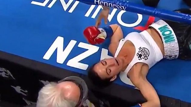 Knockoutovaná Miranda Adkinsonová.