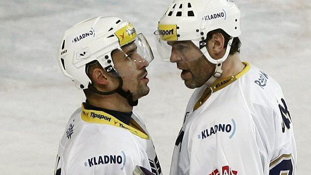 Tomáš Plekanec (vlevo) s Jaromírem Jágrem táhli Kladno za výhrou nad Spartou