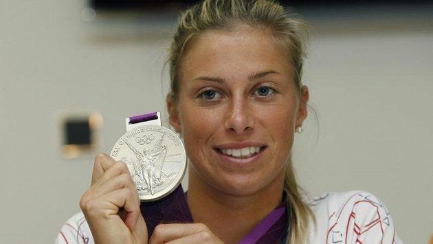 Tenistka Andrea Hlaváčková se stříbrem z OH v Londýně.
