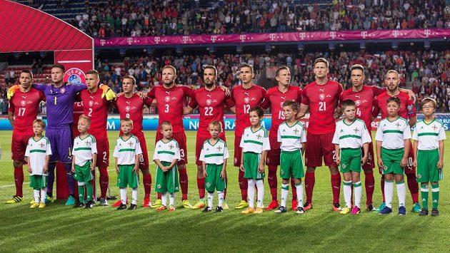 Český tým před zápasem se Severním Irskem.