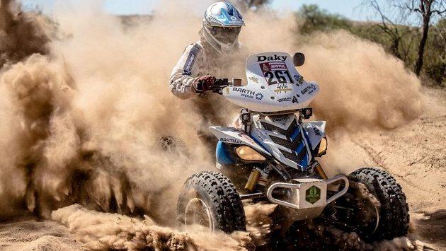 Český závodník Zdeněk Tůma se na čtyřkolce v barvách týmu Barth Racing předvede na Dakaru.
