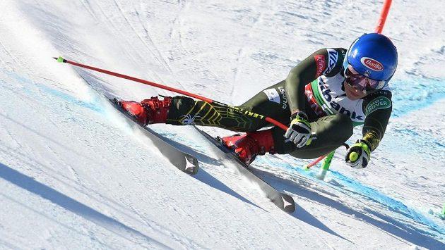 Slalomová hvězda Mikaela Shiffrinová na trati super-G při SP v bulharském Bansku