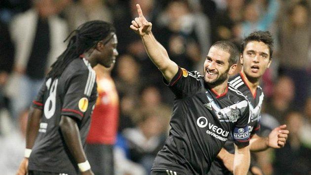 Lisandro z Olympique Lyon se raduje z branky, kterou vstřelil Spartě.