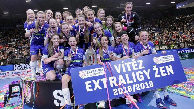 Florbalistky Vítkovic porazily Chodov 7:6 v prodloužení a obhájily titul, který získaly celkově popáté v historii.