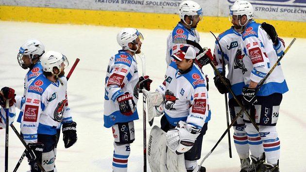 Smutek chomutovských hráčů po skončení semifinále play off hokejové extraligy.