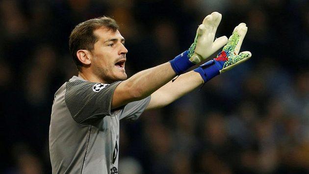Brankář Porta Iker Casillas.