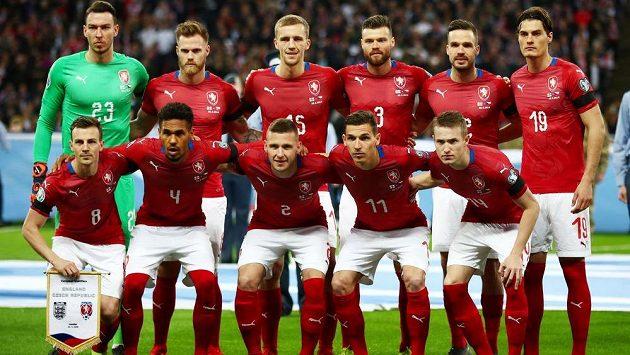 Česká jedenáctka před bitvou ve Wembley.