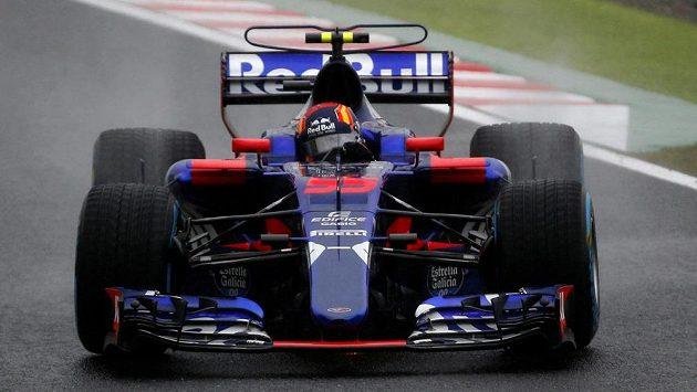 Carlos Sainz Jr. z Torro Rosso vystřídá Jolyona Palmera po Velké ceně Japonska u stáje Renault.