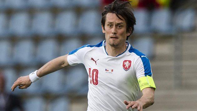 Tomáš Rosický znovu navlékl kapitánskou pásku českého národního týmu.