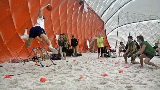 Turnaj v plážovém tchoukballu se odehraje v Praze.