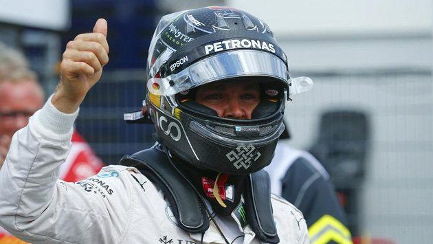 Nico Rosberg nemá na Hockenheimringu konkurenci, vyhrál i kvalifikaci.
